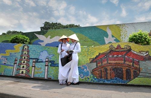 hanoi-mural-mosaic-2.jpg